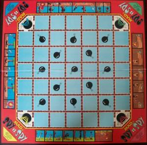 vintage 1986 milton bradly game board spy vs spy